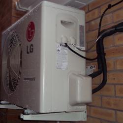 Air_source_heat_pump_staffordshire